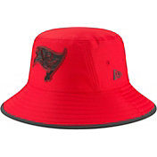 New Era Men's Tampa Bay Buccaneers Sideline Training Camp Red Bucket Hat