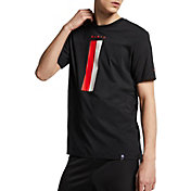 Nike Men's Paris Saint-Germain Travel Crest Black T-Shirt