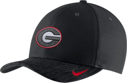 Nike Men s Georgia Bulldogs Black Aerobill Swoosh Classic99 Football  Sideline Adjustable Hat. noImageFound 565e942e0edd