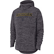 Nike Men's Michigan Wolverines Grey Heathered Dri-FIT Spotlight Pullover Hoodie