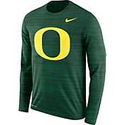 Nike Men's Oregon Ducks Green Velocity Legend Graphic Long Sleeve T-Shirt