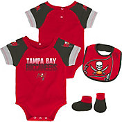 NFL Team Apparel Infant Tampa Bay Buccaneers 50-Yard Onesie Set