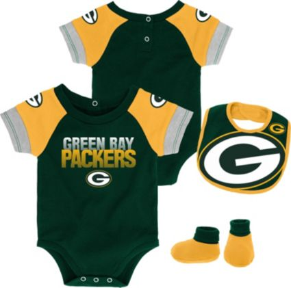 NFL Team Apparel Infant Green Bay Packers 50-Yard Onesie Set. noImageFound 2c51cf9ae