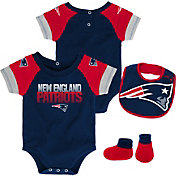 NFL Team Apparel Infant New England Patriots 50-Yard Onesie Set