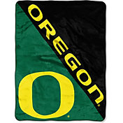 "Northwest Oregon Ducks ""Halftone"" Micro Raschel Throw"