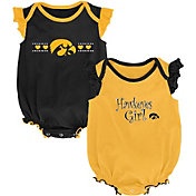 Outerstuff Infant Iowa Hawkeyes Black/Gold Homecoming 2-Piece Onesie Set