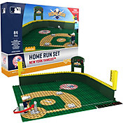 OYO New York Yankees Home Run Figurine Set