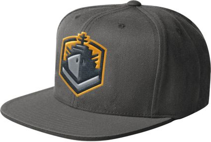 7b10f83d447 Starter Men s San Diego Fleet Structured Grey Adjustable Snapback ...