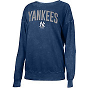 New Era Women's New York Yankees Navy Mineral Wash Pullover Shirt