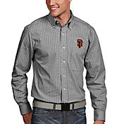 Antigua Men's San Francisco Giants Associate Button-Up Black Long Sleeve Shirt