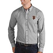 Antigua Men's San Francisco Giants Structure Button-Up Black Long Sleeve Shirt