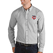 Antigua Men's Minnesota Twins Structure Button-Up Grey Long Sleeve Shirt