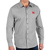 Antigua Men's Nebraska Cornhuskers Structure Button Down Long Sleeve Black Shirt