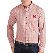 Antigua Men's Nebraska Cornhuskers Scarlet Structure Button Down Long Sleeve Shirt