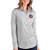 Antigua Women's Chicago Cubs Structure Button-Up Grey Long Sleeve Shirt