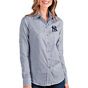 Antigua Women's New York Yankees Structure Button-Up Navy Long Sleeve Shirt