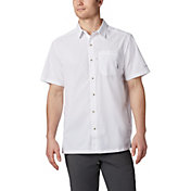 Columbia Men's Slack Tide Camp Short Sleeve Button Down Shirt