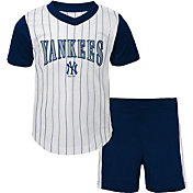 Gen2 Infant New York Yankees Shorts & Top Set