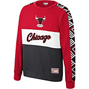 Mitchell & Ness Men's Chicago Bulls Scorer Crew Neck Sweatshirt