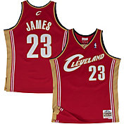 Mitchell & Ness Men's Cleveland Cavaliers LeBron James #23 Swingman Jersey