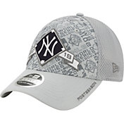 New Era Men's New York Yankees 2019 LDS Clincher Locker Room 9Forty Adjustable Hat