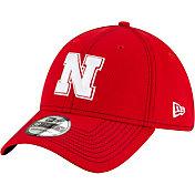 New Era Men's Nebraska Cornhuskers Scarlet Sideline Road 39Thirty Stretch Fit Hat