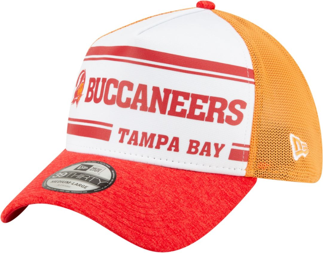 hot sale online 2f589 4d2e7 New Era Men's Tampa Bay Buccaneers Sideline Home 39Thirty Stretch Fit Hat