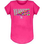 New Era Youth Girls' New York Yankees Pink Flip Sequins T-Shirt
