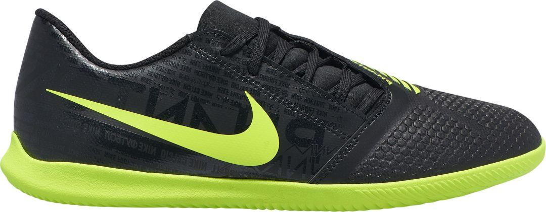 low priced 238fb 91359 Nike Phantom Venom Club Indoor Soccer Shoes
