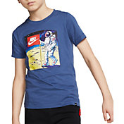 Nike Boys' Sportswear Moon Man Graphic T-Shirt