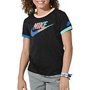 Nike Girls' Sportswear Futura Femme Droptail T-Shirt