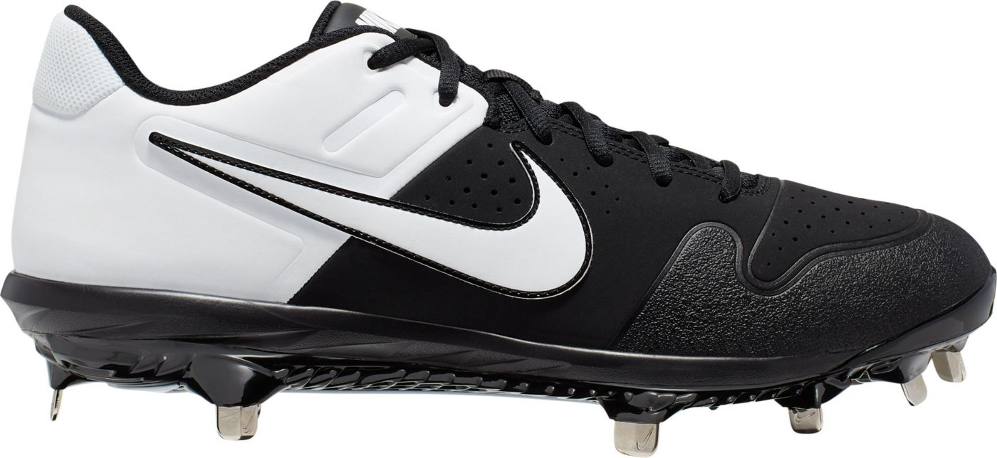 Nike Men's Alpha Huarache Varsity Metal Baseball Cleats