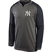 Nike Men's New York Yankees Grey Dri-FIT Thermal Crew T-Shirt