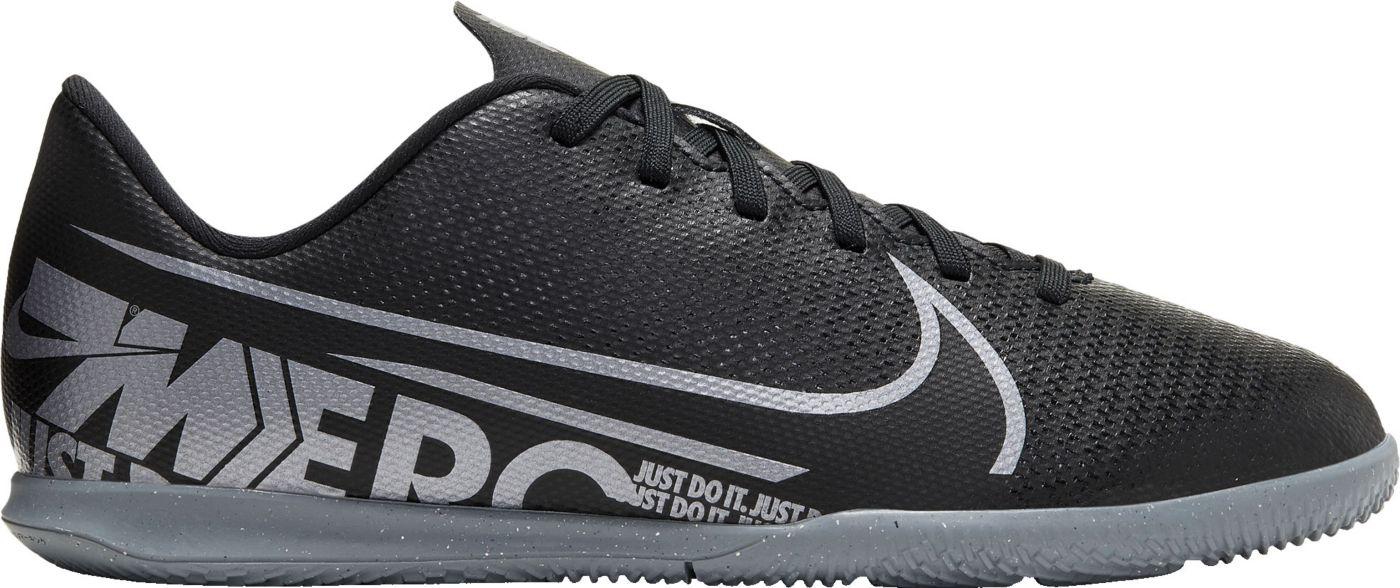 Nike Kids' Mercurial Vapor 13 Club Indoor Soccer Shoes