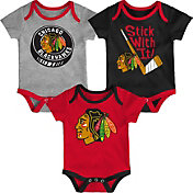 NHL Infant Chicago Blackhawks Cuddle Play 3-Piece Onesie Set