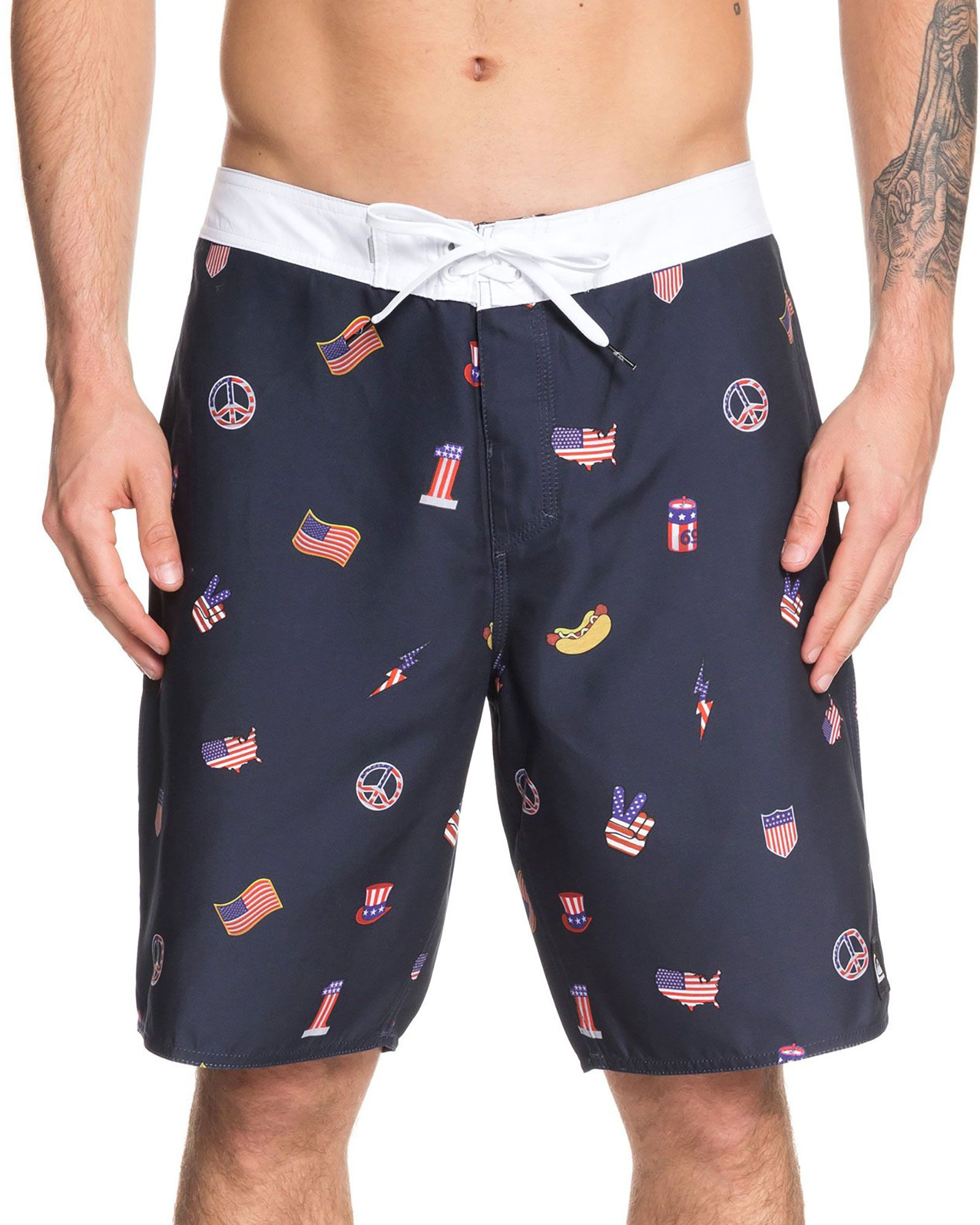ccaf8e50ad Quiksilver Men's Everyday Hot Dog Board Shorts