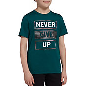 DSG Boys' Graphic Training T-Shirt in Htr Emerald Never Give Up
