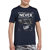 DSG Boys' Graphic Training T-Shirt in Htr Navy Never Give Up