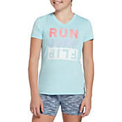 DSG Girls' Performance Graphic T-Shirt in Htr Iced Blue Run Jump