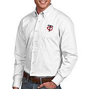 Antigua Men's Minnesota Twins Dynasty White Long Sleeve Button Down Shirt