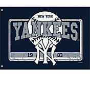 Evergreen New York Yankees Linen Estate Flag
