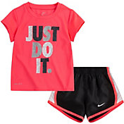 Nike Girls' Tempo T-Shirt and Shorts Set