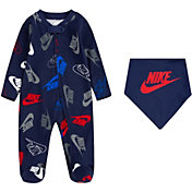 Nike Infant Boys' Futura Toss Coveralls and Bib Set