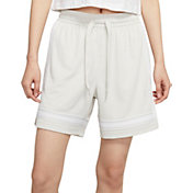 Nike Women's Swoosh Fly Crossover Basketball Shorts
