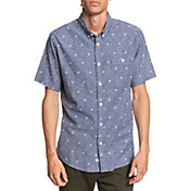 Quiksilver Men's Waterman Airbourne Fishes Short Sleeve Button Up Shirt